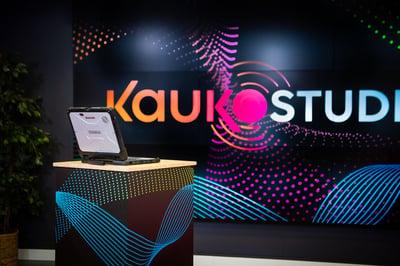 videomateriaalin esitys Kauko Studiossa Kuva Paula Ojansuu