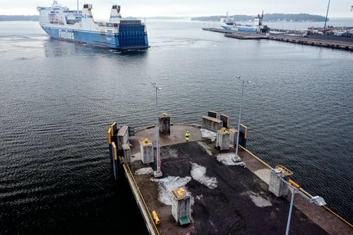 työturvallisuus vaativissa ympäristöissä esimerkiksi satama-alueella on ennakointia Kuva Mikko Törmänen