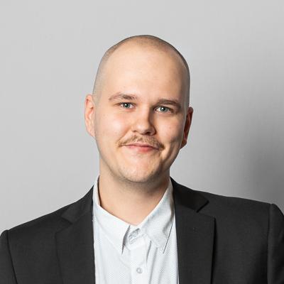 Micke Holmlund | Kauko Oy