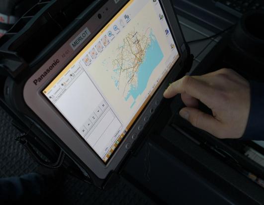 Panasonic-FZ-G1-tabletti-Remeo-ajoneuvotelakassa