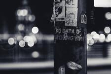 Big data is watching you -teksti lyhtypylväässä Credit: ev Unsplash