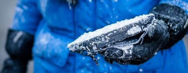 B2_SNOW-742975-edited.jpg