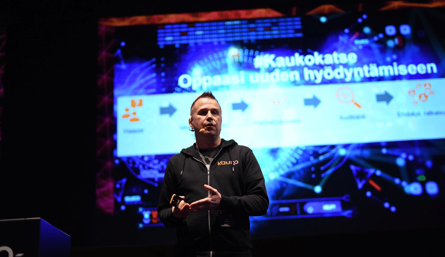 Kaukon toimitusjohtaja Juha Rytkönen pitää esitystä Kauko-päivässä tammikuussa 2020