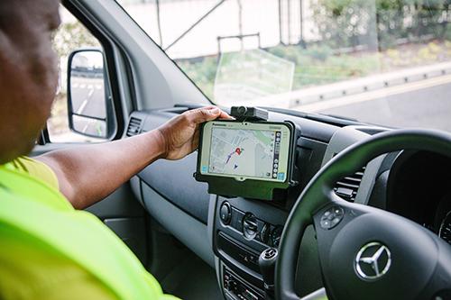 Panasonic Toughbook ajoneuvokäytössä ajoneuvotelakka lisävarusteen kanssa Kuva Panasonic